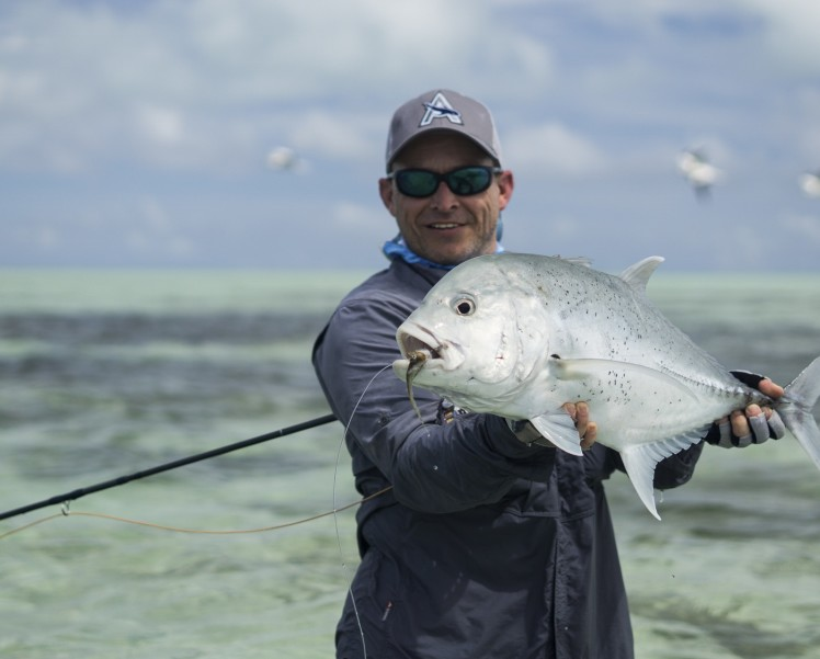 cosmoledo-atoll-fishing-giant-trevally-33